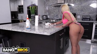 Kelsi Monroe - Bang my big Latin bubble butt